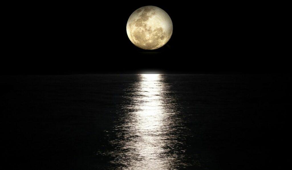 Científicos indican El agua en la luna proviene de la tierra