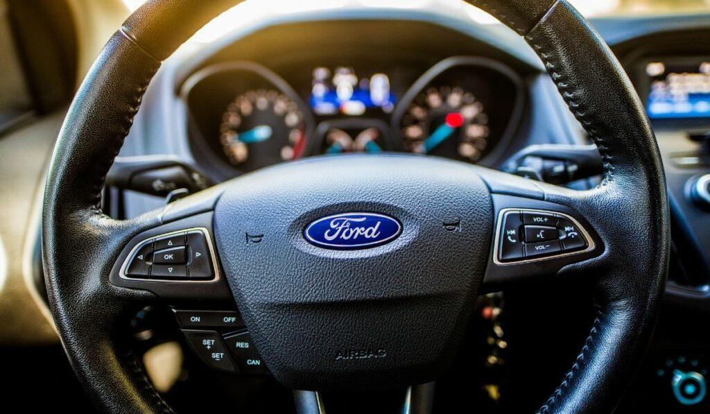 Marca Ford destina inversión para automóviles eléctricos