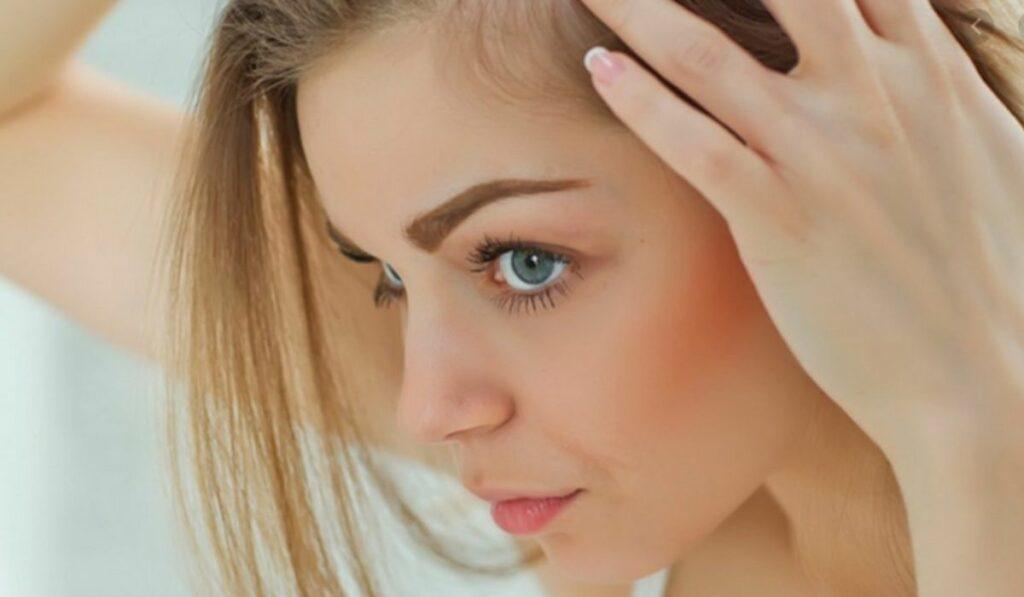 Qué usar para la caída del cabello y que lo conlleva