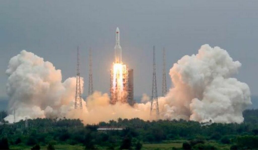 A mirar para el cielo: Cohete chino se estrellara contra la tierra