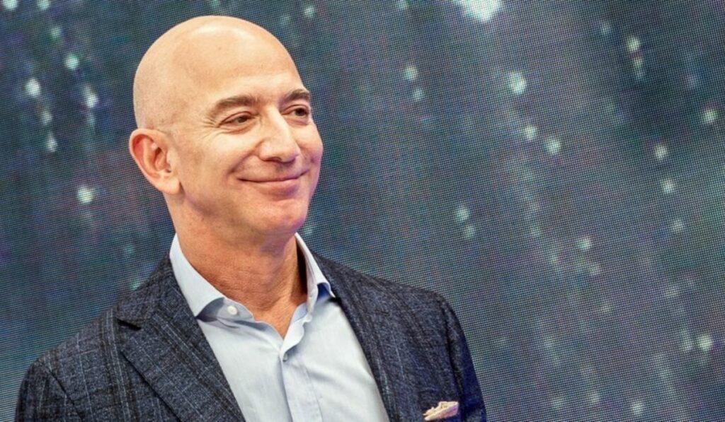 El fundador de Amazon Jeff Bezos vende una importante suma en acciones