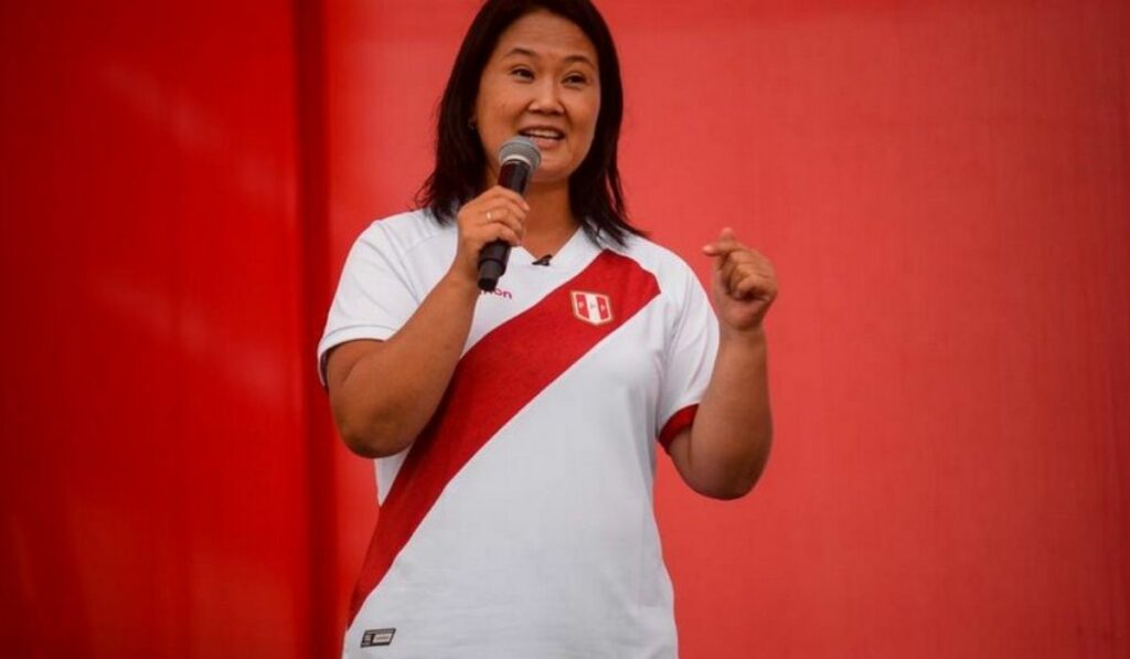 Fujimori se perfila como la ganadora en Perú con 50,7% pero faltan votos