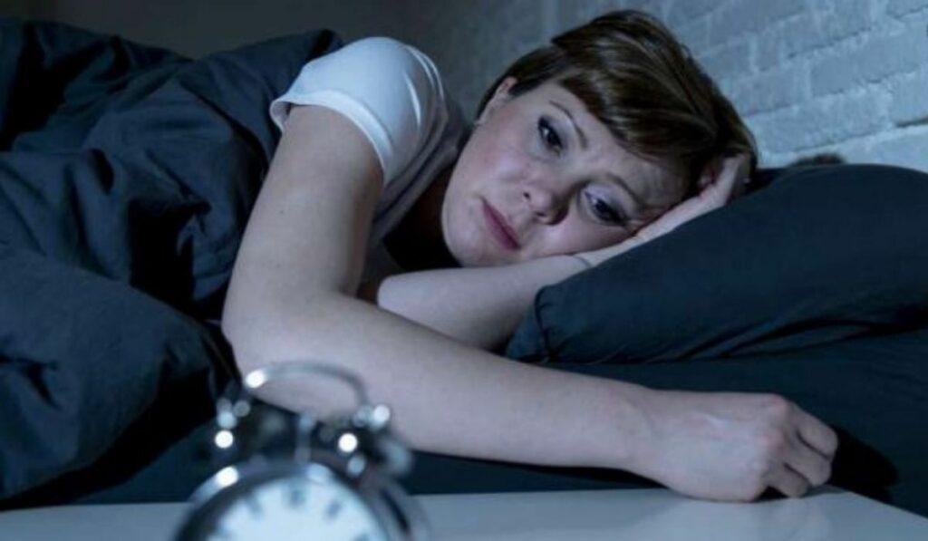 Sabias como influye las hormonas cortisol y la melatonina en el sueño