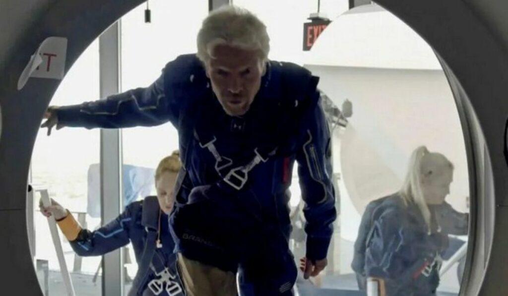 La competición por viajar al espacio le toca al turno a Richard Branson