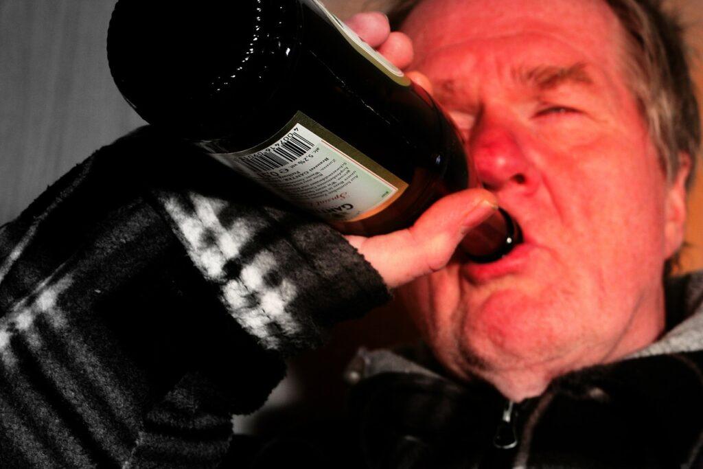 El consumo alcohol puede provocar cáncer