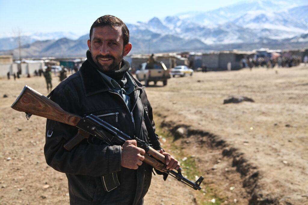El canal YouTube esta cuidadoso ante el regreso de los talibanes