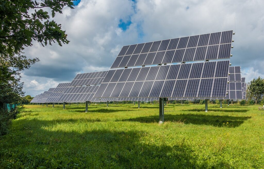 crean células solares bifaciales