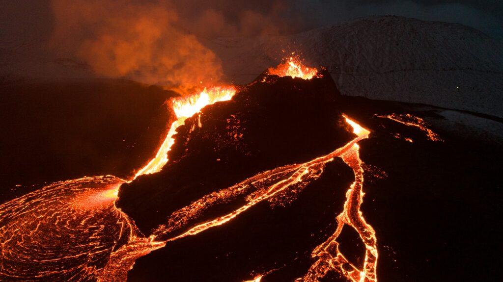 la amenaza de los supervolcanes continúa
